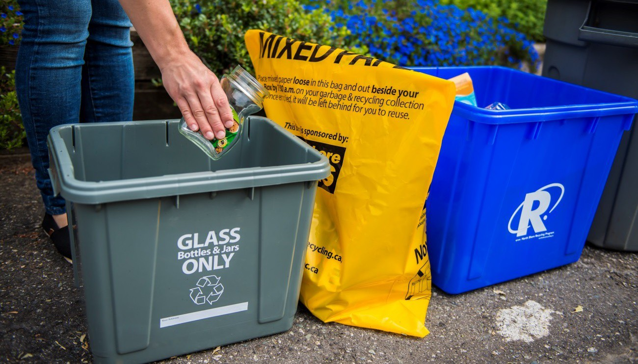 Photo of accepted recycling containers (blue box, grey box, yellow bag)