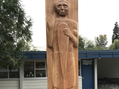 Welcome Figure at L'École Cleveland Elementary