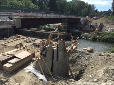 Keith road bridge construction: preparing to cap the abutment
