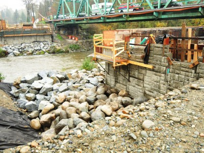 Retaining wall for new Keith Road bridge under construction