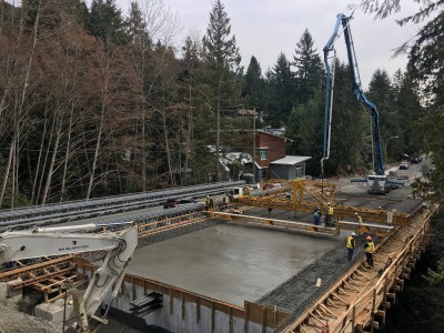 Concrete deck being poured for new Montroyal bridge