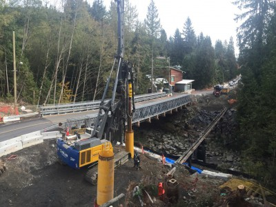 Pile driving for the new Montroyal bridge