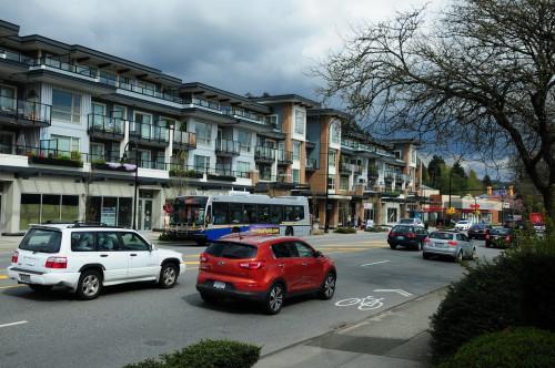 Cars and bikes commuting along Marine Drive