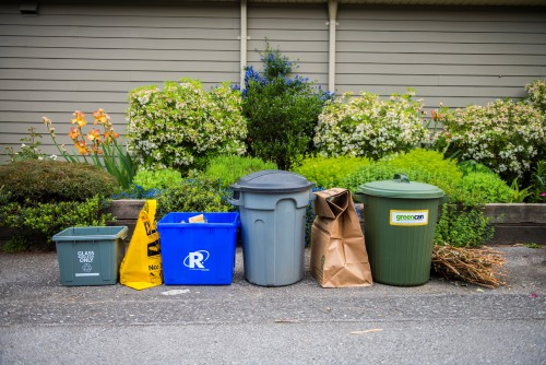 Image illustrating how to set out your waste collection at the curb